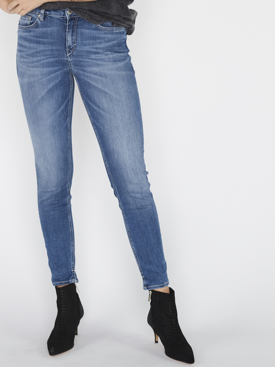 JEANS NEED 80537