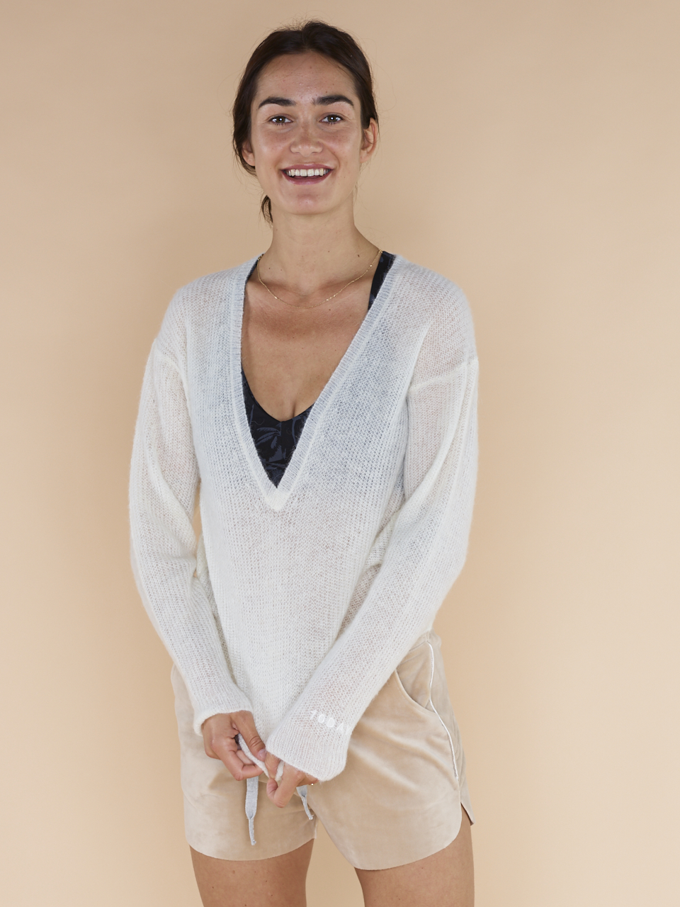 KNIT LIGHT V-NECK