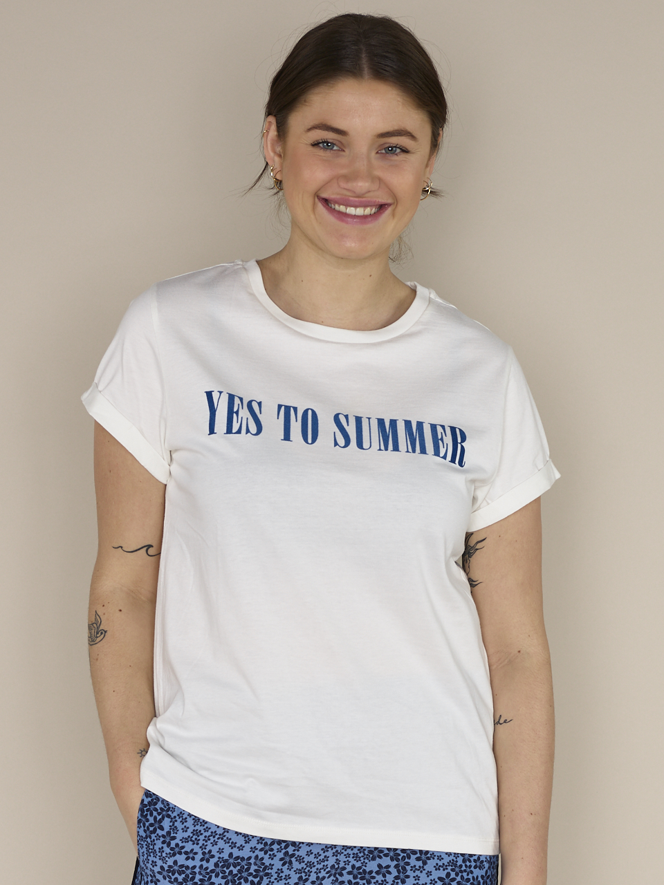 TEE YES TO SUMMER